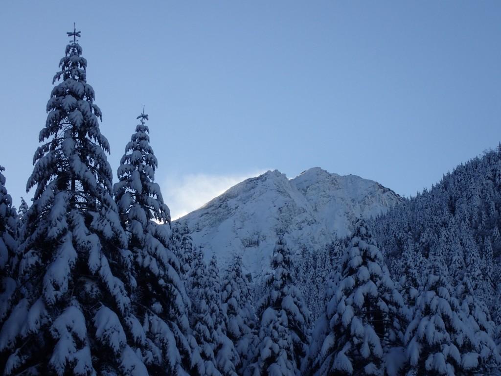 「早朝の赤岳」